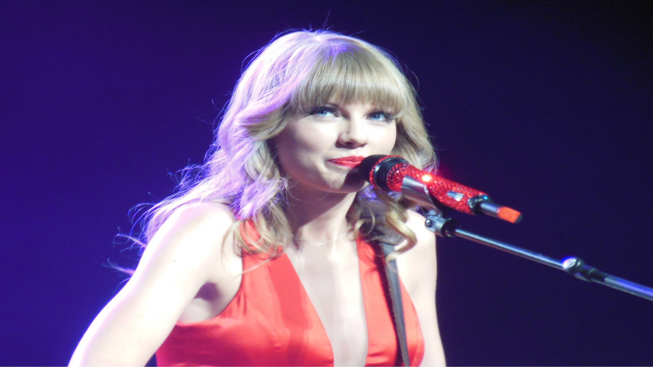 Taylor Swift's Image May Contain A Virus